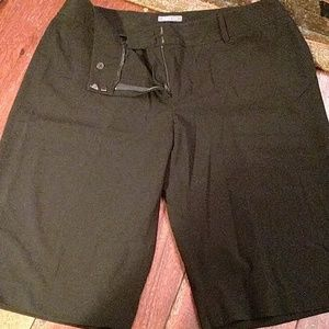 Black Bermuda slacks size 16